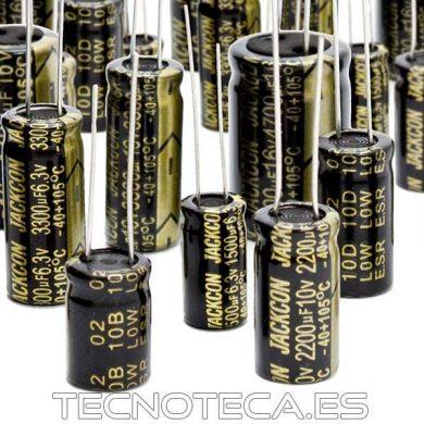 CONDENSADOR ELECTROLITICO RADIAL DE 105 GRADOS